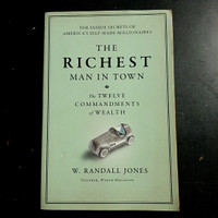 Buku THE RICHEST MAN IN TOWN by W. Randall Jones