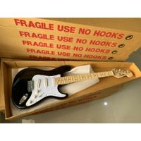 Gitar Fender Stratocaster new include engkol/Handel