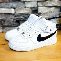 sepatu boots anak Nike putih import !!!