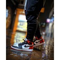 Nike Air Jordan 1 Satin Black Toe ( BNIB )