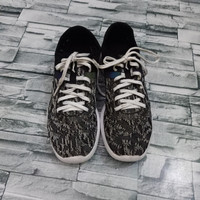 LINING | SIZE 42 | sneakers pria import | sepatu second original pria