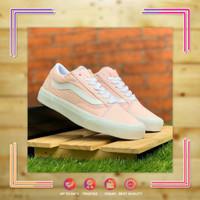 Sepatu Wanita Sneakers Vans Old Skool Girl (BNIB)