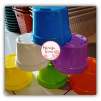 Pot Plastik Warna NKT 15 Plus Tatakan