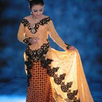 Kebaya Gold payet hitam Model Sabrina