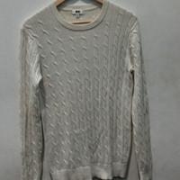 *Preloved* Sweater Sweatshirt Rajut Uniqlo Putih