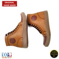Sepatu Boots Sneakers Terbaru Sepatu sneakers keren