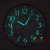 Jam Dinding SEIKO QXA521 Jarum Detik Sweep Glow in The Dark 31cm