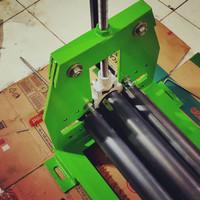 Mesin Roll Plat Besi 130cm