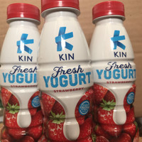 Kin Fresh Yogurt Rasa Strawberry 200 ml