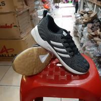 Sepatu sport Olah raga Adidas murah pria free kaos kaki - Hitam, 39