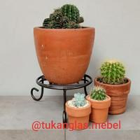 dudukan pot bunga / standing pot / hiasan tanaman / rak pot