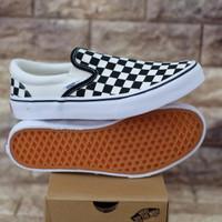 Sepatu Vans Slip On V98CLA Black White Checker board Original