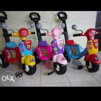 Mainan anak sepeda scooter - sepeds roda tiga vespa scooter 609 -
