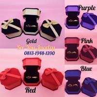 Kotak Cincin Beludru Mewah / Premium RingBox / Tempat Perhiasan Anting - Merah