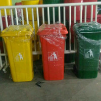 tempat sampah/ tong sampah fiber besar roda 120 liter - Merah