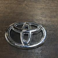 Emblem logo toyota kijang super grand