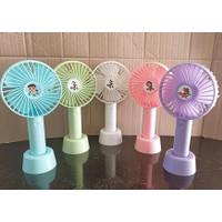 Kipas angin genggam portable / kipas pegangan tangan /mini fan portabe