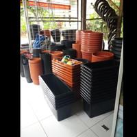 POT Plastik BP NKH 30cm&Tatakan Tembaga.
