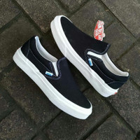 Sepatu Kets Vans OG Classic slip On canvas Blackwhite premium original