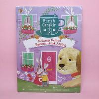 Rumah Cangkir - Keluarga Kelinci Bertemu Anak Anjing by Hayley Scott