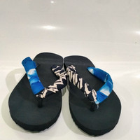 sandal jepit karet lilit batik