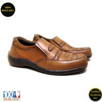 Sepatu kasual pria kulit asli model slip on premium H03