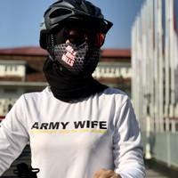 Kaos Olahraga Lengan Panjang Army Wife
