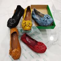 Sepatu Wanita Clarks Flower Flat
