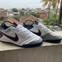 Sepatu Futsal Nike Gato 5 White Grey IC