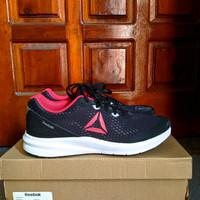 Sepatu Sneakers Running Wanita Reebok Runner 3 Original Termurah