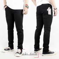 celana jeans pria hitam pekat / celana denim black naomi - S, Hitam