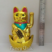Pajangan Mainan Kucing Hoki Lucky Cat Maneki Neko Diatas Koin Emas