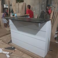 Meja multifungsi,bisa jadi meja bar,resepsionis,kantor