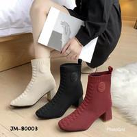 ankle boot model korea bahan kanvas