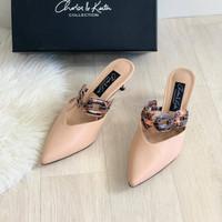 C01556 Sepatu Charles and Keith Original