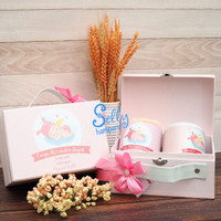Souvanie baby born. Hampers one month. Baby gift