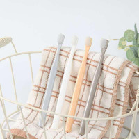 Sikat Gigi Murah isi 4 Design Toothbrush Menjangkau Ujung Dalam Mulut