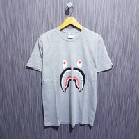 KAOS BAPE A BATHING APE SHARK PREMIUM NEW