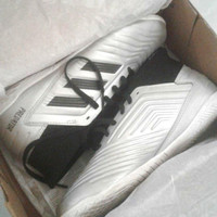 Sepatu Futsal Anak ORI - Adidas Predator J 19.3 size 35.5