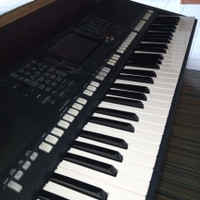 KEYBOARD YAMAHA PSR S950 LIKE NEW