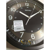 Jam Dinding SEIKO QXA628K Glow in the Dark Jarum Sweep 31cm QXA628