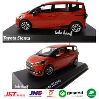 Diecast Miniatur Mobil Toyota Sienta original
