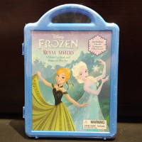 Frozen: Royal Sisters: A Dress-Up Book and Magnetic Play Set