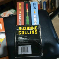 Trilogi Novel Hunger Games by Suzanne Collins