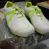 sepatu golf merk fj ukuran 71/2 sama dengan 42