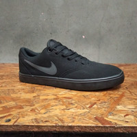 Sepatu sneakar nike sb check black original