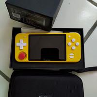 console retro game portable RGB10 merk Powkiddy