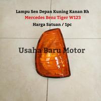 Lampu Sen Sein Depan Corner Lamp 1pc Mercedes Benz W123 Tiger (Yellow)