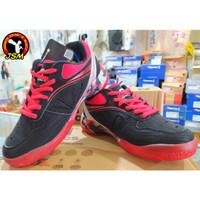 Sepatu Badminton anak APACS warna BLACK/RED