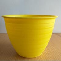 POT SJP mirip Tawon no 20 Diameter 18cm- Kuning